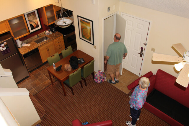 We travel-hacked this free two bedroom, two bathroom two story hotel suite (with full kitchen) that sleeps six for 10,000 Marriott points (= 3,333 Starwood points).