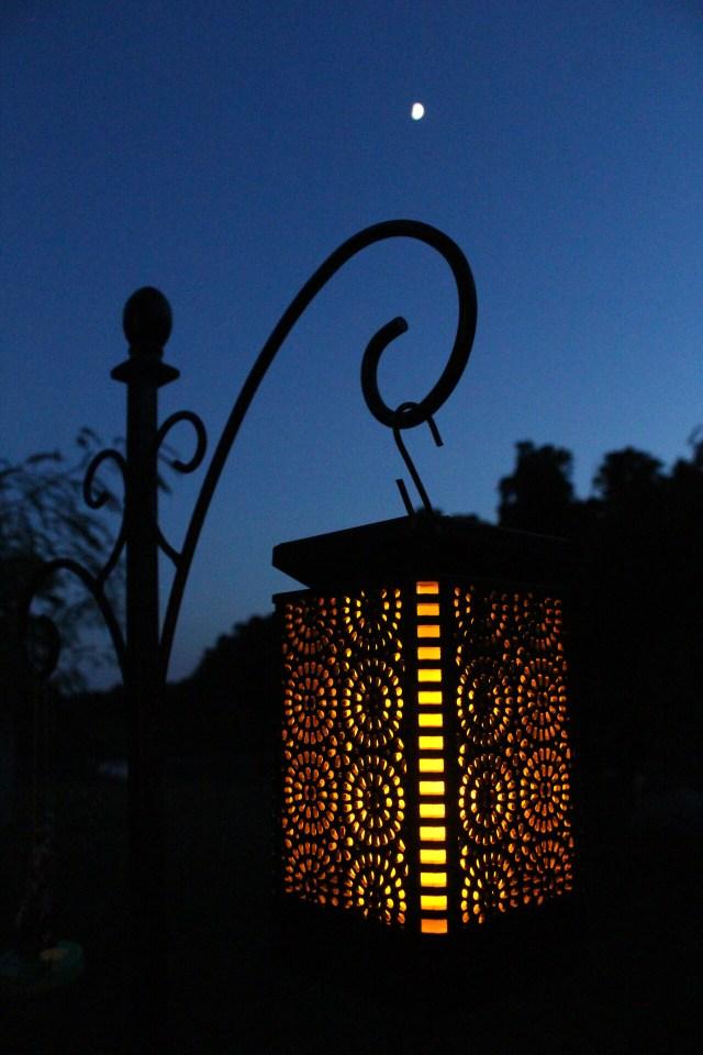 lantern-and-moon