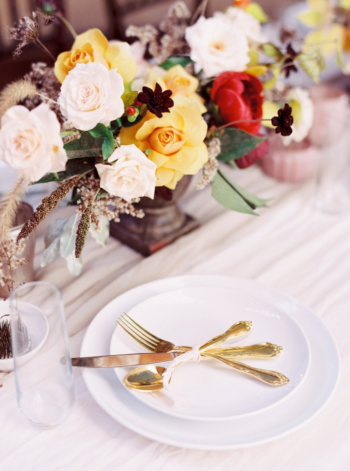 Faith + Isaac   Elegant and Classic Autumn Wedding   Roots Floral Design