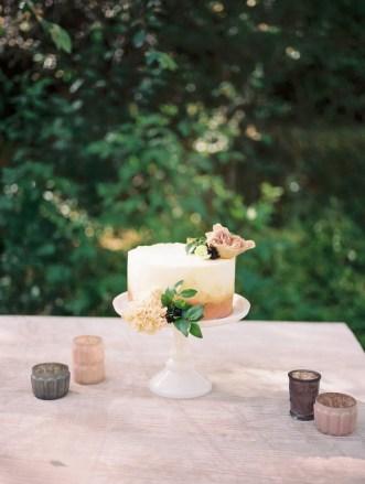 wedding-cake-design-roots-floral-design-1
