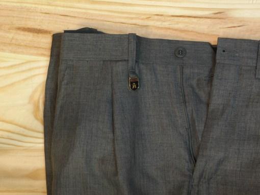 pantalones de vestir para hombre con pinzas. beige oscuro