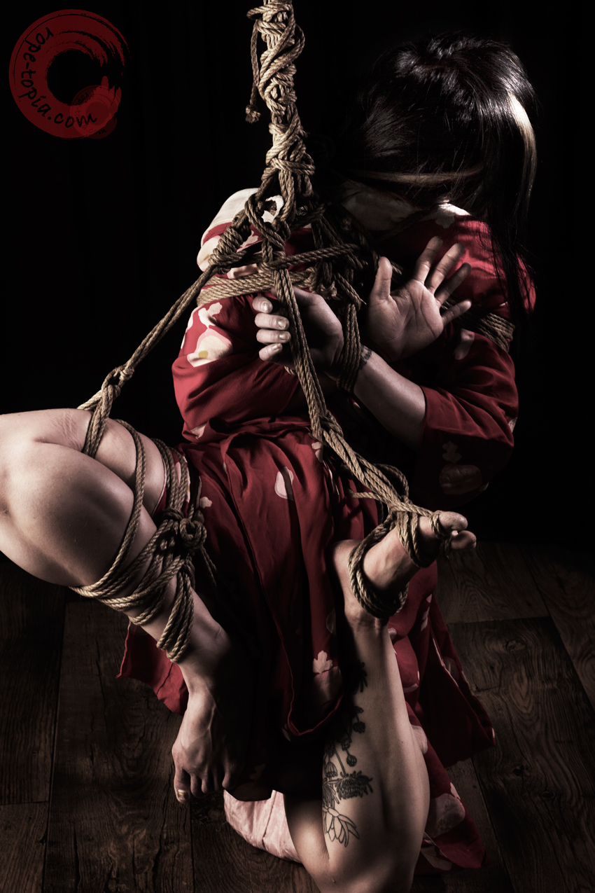 Shibari bondage, suspension in takatekote & futomomo. Model Xian.