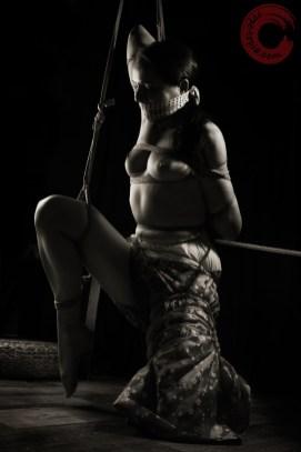 Raggydoll Teppou Shibari, assymetric bondage, gagg, bound, kimono, partial suspension.