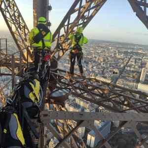 Travail sur la Tour Eiffel