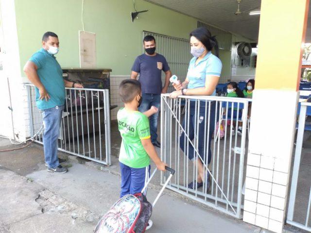 Aulas presenciais são retomadas em Boa Vista após 18 meses de ensino remoto