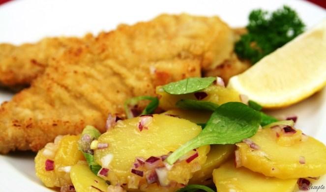 Wiener Schnitzel mit Erdäpfelsalat - Die Fliedertochter