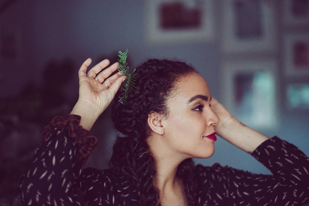 Weihnachtliche Frisurideen für Afrohaare