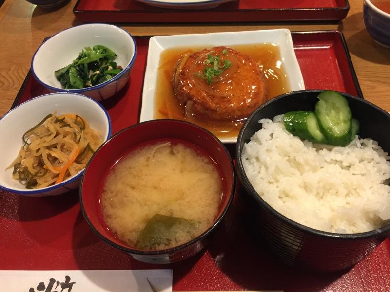 手作り和食ほど美味しい料理はない! My simple yet huge happiness of the day♪ Rien ne vaut un authentique repas japonais ♡ — at かっぽうぎ 飯田橋店.