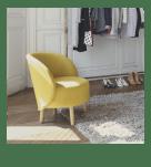Un petit fauteuil jaune