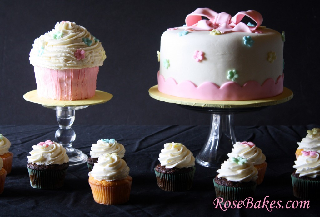 A Cupcake Party: A Cake, Cupcakes & Matching Cupcake Smash