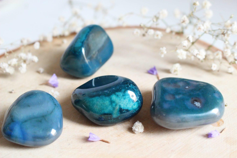 Pierre naturelle d'Agate bleue