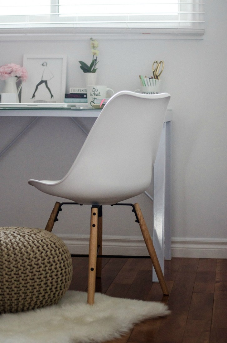 jysk-rosecitystyleguide-office-decor-desk-lamp-chair-style