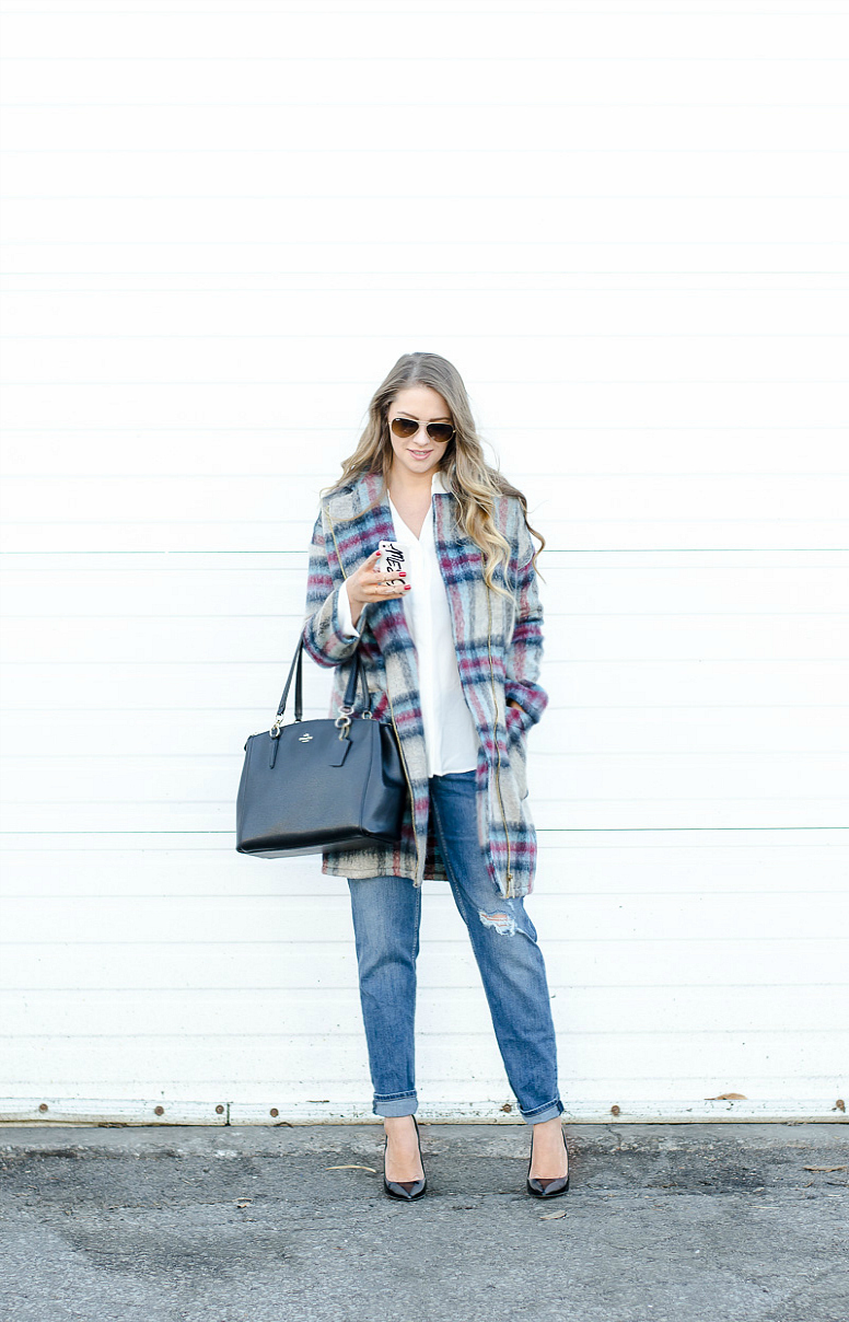 IPHONE-PLAID-JACKET-ROSECITYSTYLEGUIDE-URBANPLANET-BOYFRIENDJEANS-4
