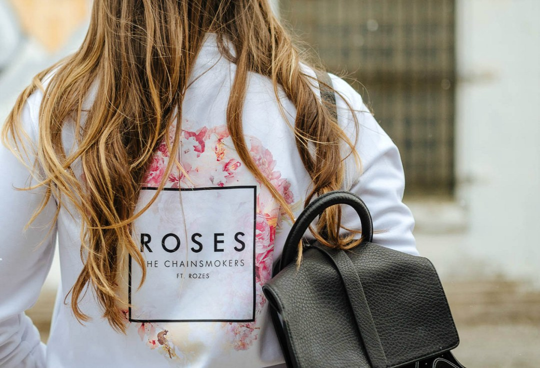 roses-chainsmokers-cool-vibe-outfit-rosecitystyleguide-giveaway-sweater-sony-album