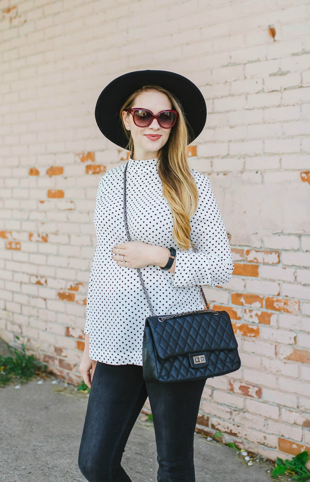 maternity-style-fall-outfit-polka-dots-felt-hat-rose-city-style-guide-amanda-reid-fashion-canadian-blogger-lifestyle
