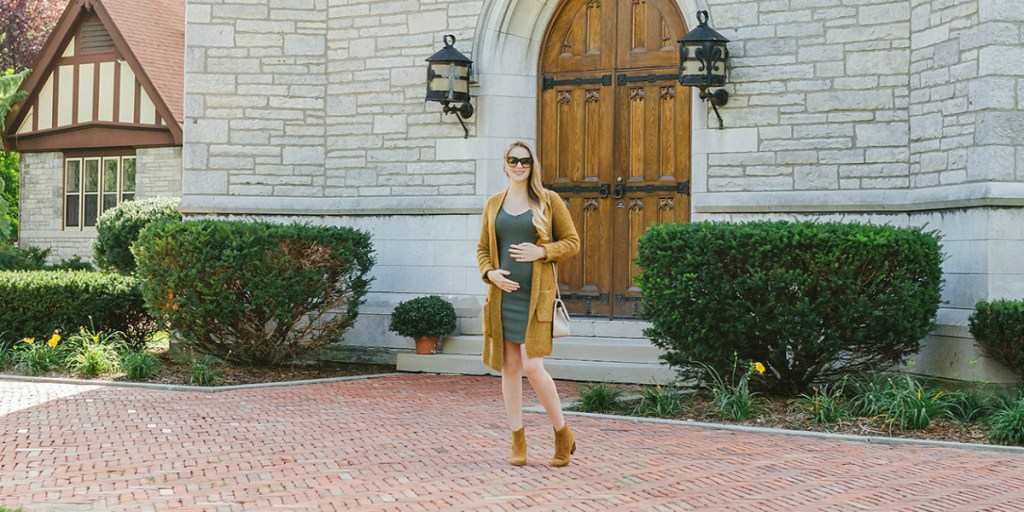 maternity-style-fall-style-outfit-canadian-bloggger-lifestyle-fashion-sweater-dress-booties-rose-city-style-guide-5-copy