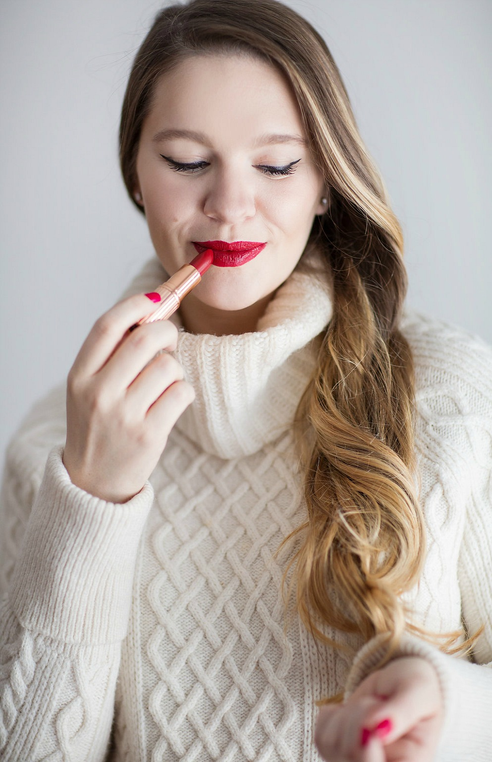 know-cosmetics-lips-are-sealed-holiday-red-lipstick-rose-city-style-guide-canadian-beauty-blog