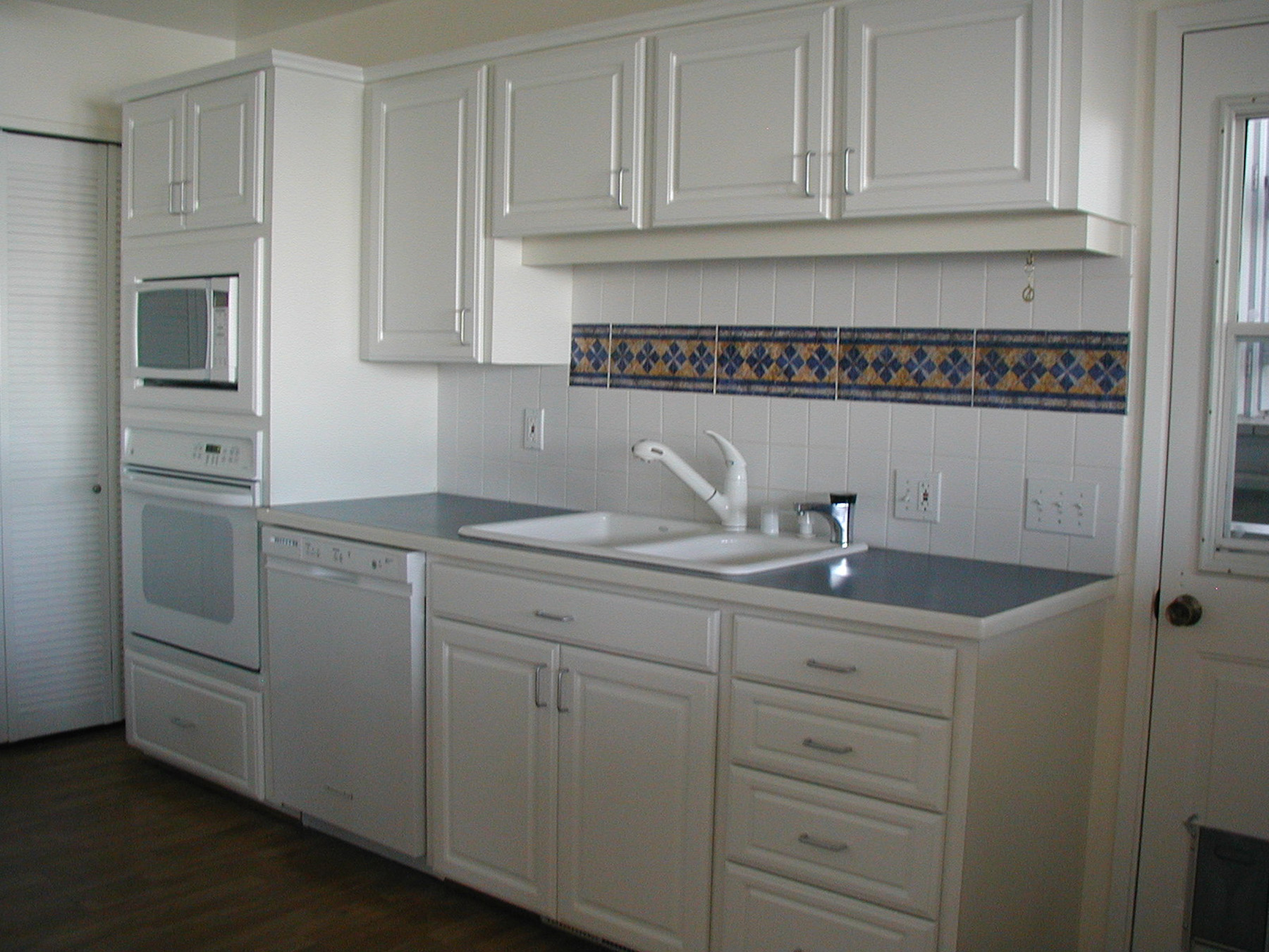 Include Decorative Tile In Your Kitchen Or Bath Design