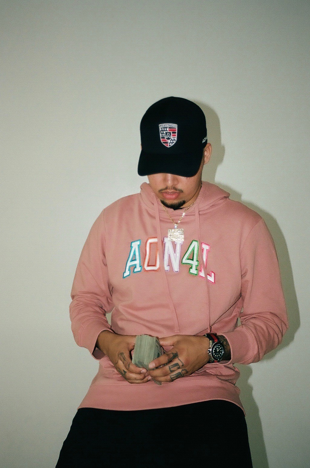 ITBEMG Creates A Vibe In His Tevolaron Directed Visual