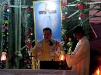 Fr. Manny leads the prayer.