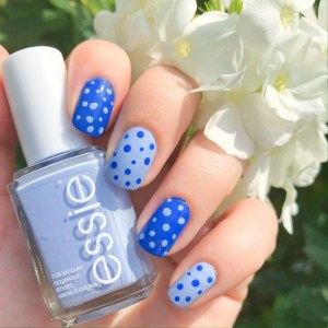 essie Saltwater Happy Review: Blue Monday Mani