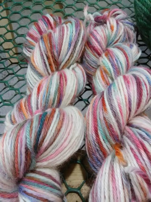 Variegated color yarn