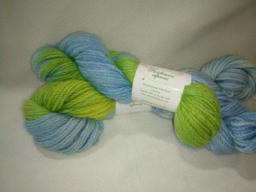blue yellowgreen yarn