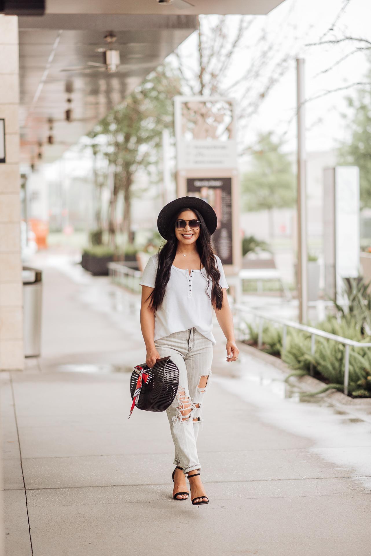 f19ec576cf5e3d Houston Fashion + Lifestyle Blogger
