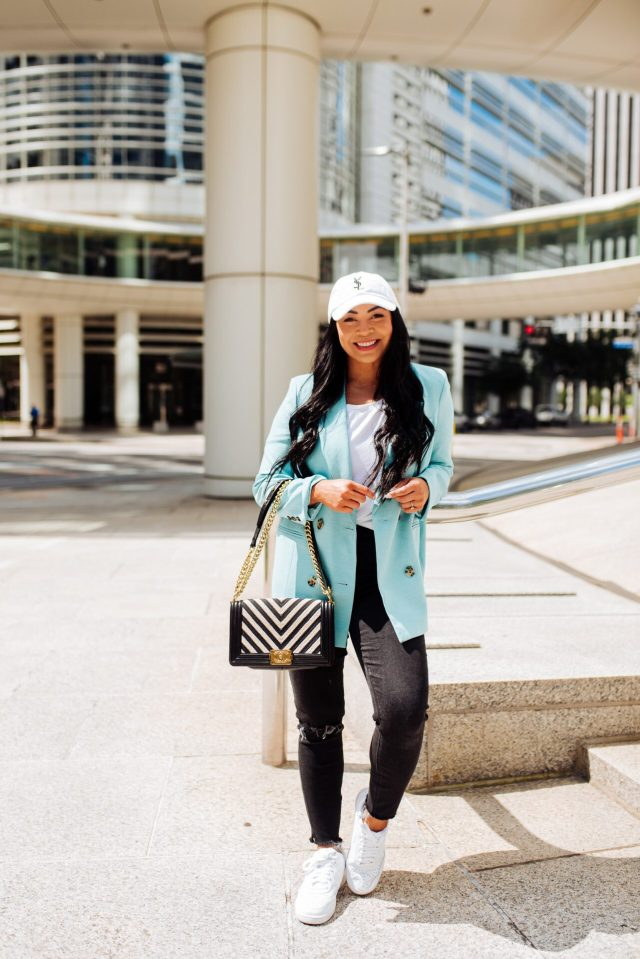stylish mom outfits
