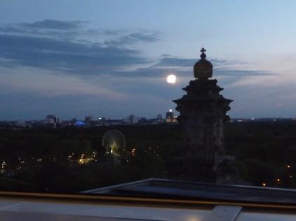 Moon over Berlin