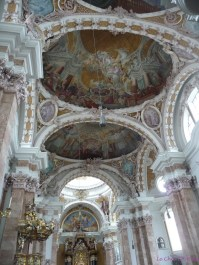 The artwork and frescoes were outstanding