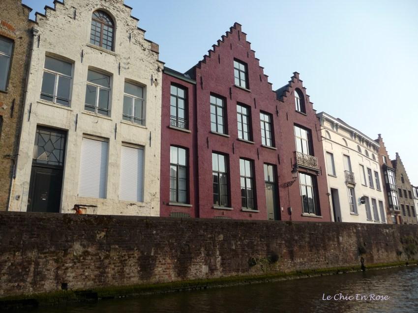 Houses alongside the canal Bruges