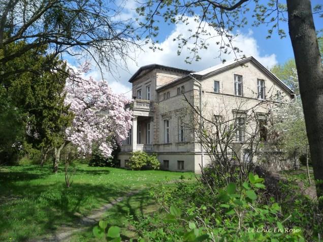 Elegant Villa Neuer Garten