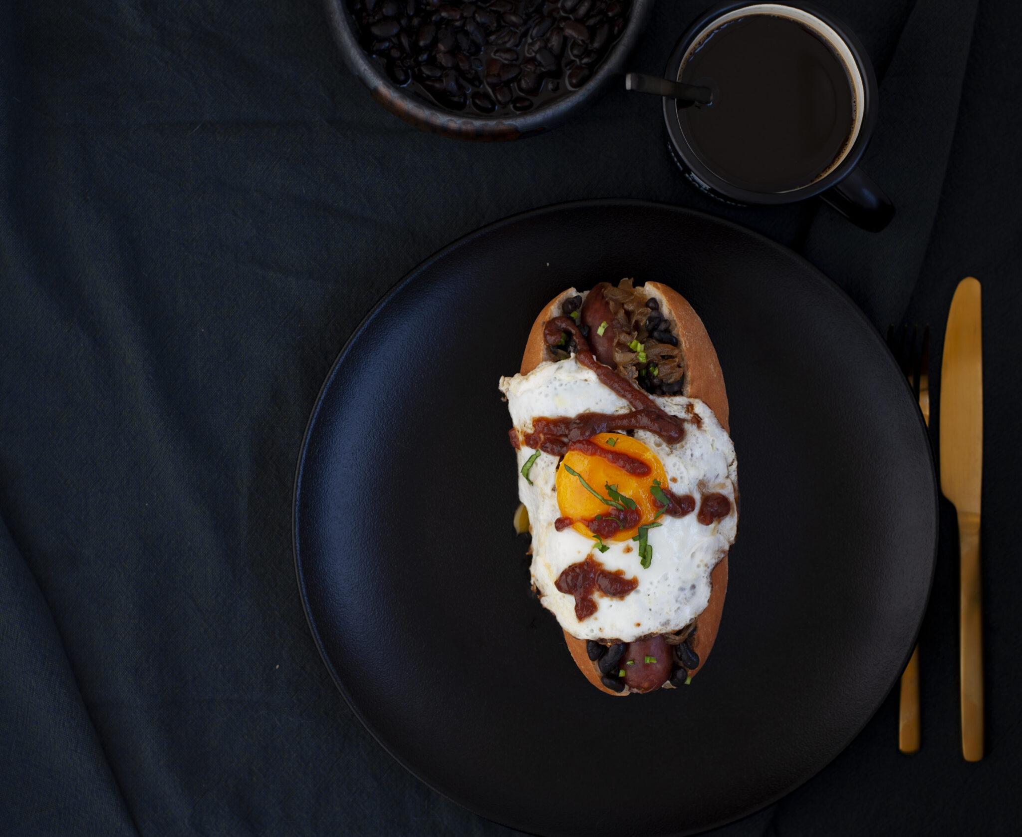gestylde foodfotografie van hot dogs
