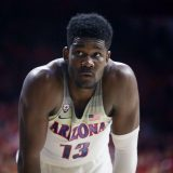 NBA: Deandre Ayton montre ses progrès à 3-points
