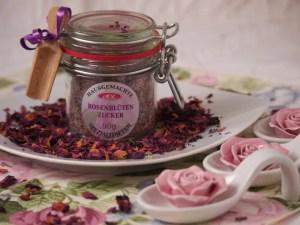 Rosenblüten Zucker für Aprikosenkuchen