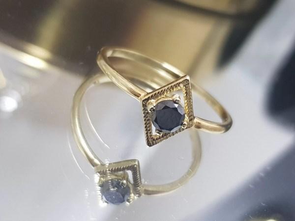 inel aur si diamant negru