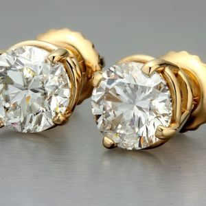 gold and diamonds studs