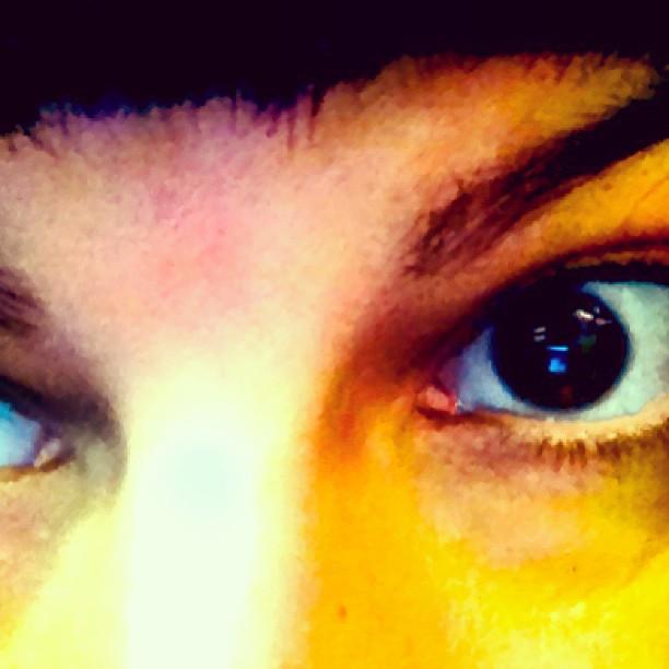 roser amills foto divertida ojos