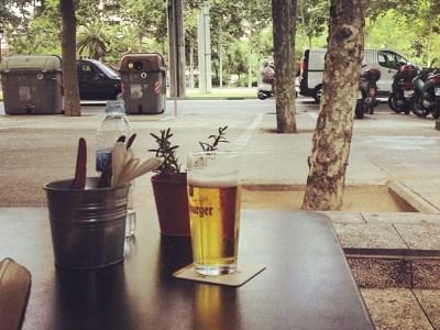 Tiene razón Manuel Delgado: una terraza de bar también es un escaparate ;)) Pero quién mira a quién?