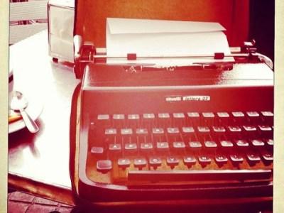 """""""Lo peor es cuando has terminado un capítulo y la máquina de escribir no aplaude."""" Orson Welles"""