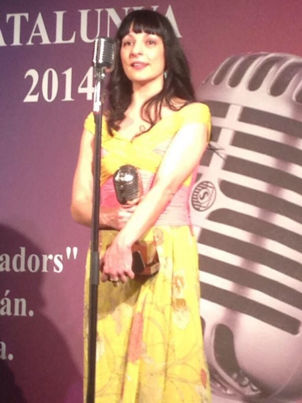 roser amills microfono de plata internet informadores premios apei 2014