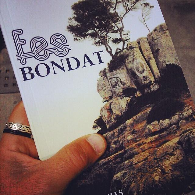 El gran @andreueitor ja ha anat al #Pepatomate per poder regalar #fesbondat demà entre llençols. I tu?