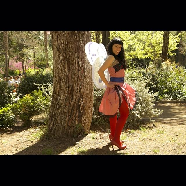 ¿Crees en las hadas para adultos? #Vitalia y yo sí! Busca #sébuena en Amazon y... descúbrelas