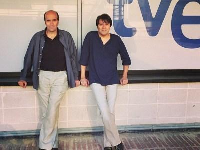 Ara a Vespre a La 2 #eurovision amb Xasqui Ten i Toni Ten per debatre i explicar secrets!!!