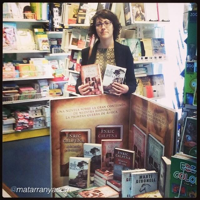 emma zafon lectora de la novela de roser amills fes bondat a serret llibres