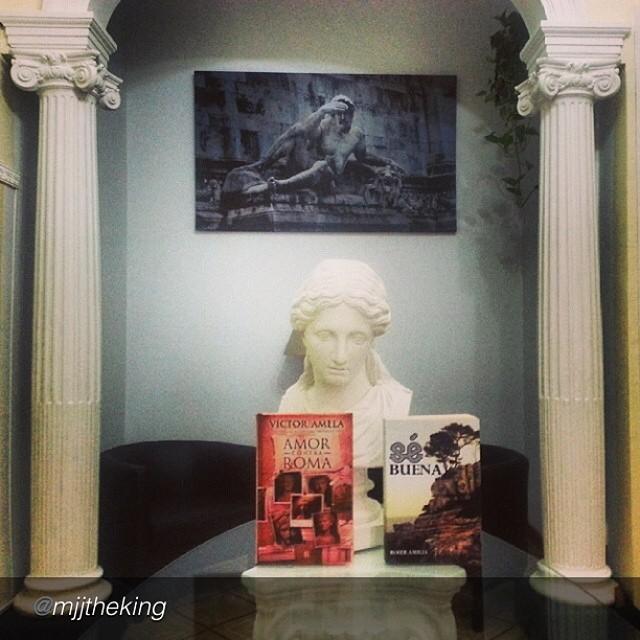 lector nos manda foto del libro se buena de roser amills y del libro amor contra roma de victor amela