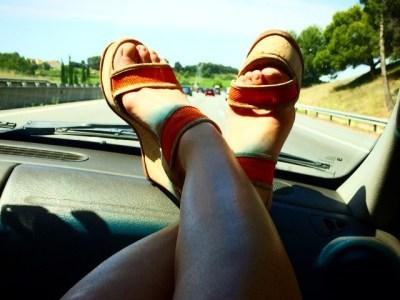 Estoy en Wikifeet.com, qué ilusión que os gusten mis pies, queridos fetichistas ;))