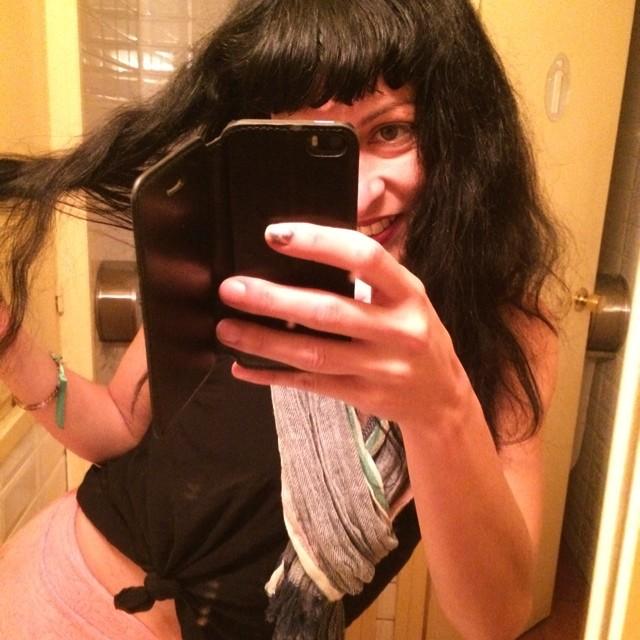 roser amills selfie iphone lavabo