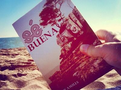 """by Guy Aelbrecht """"18/10 y todavia disfrutar un buon libro a la playa!"""""""